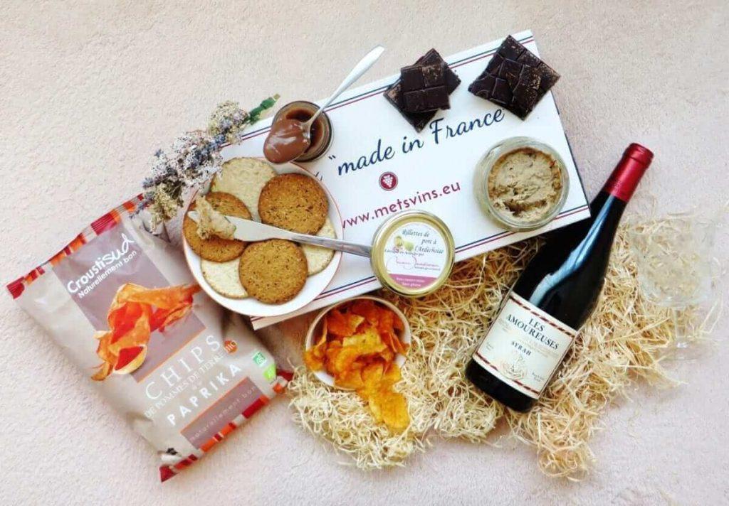 Mets vins pour des produits du terroir et pour l'apéro comprenant du vin